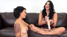 Missy and Dana Vespoli go for pussy with toys to make them cum
