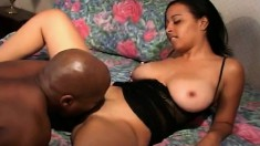 Bodacious Kandi Kream takes every inch of a black stick in her peach