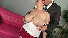 Big tit, chubby blonde gives her boss some nice head during lunch