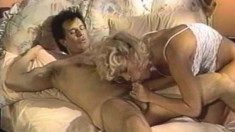 Blonde housewife Amber Lynn knows a few things about hardcore action