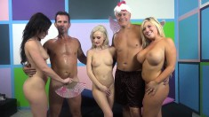 Buxom Jennifer White and her alluring friends enjoying some hard meat